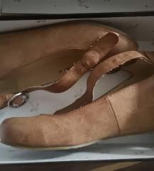 Sandali 36
