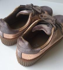 NOVI čevlji Guess