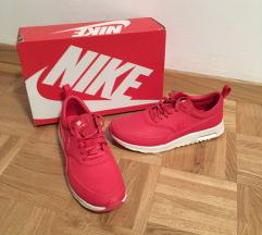 Nike  Air Max Thea nove superge
