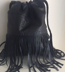 Modni nahrbtnik z resicami