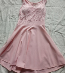 Roza oblekca