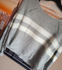 Sivo-bel pulover