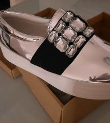 NOVI kjut čevlji s kristalčki št 39 SAMO 12 EUR