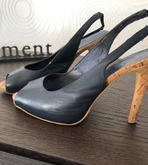 Temno modri sandali iz Avstralije.. MPC 120 eur.