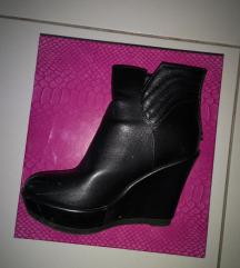 Čevlji črni 36
