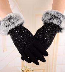 rokavice s pravim krznom
