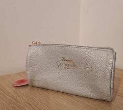 Kozmetična torbica srebrna