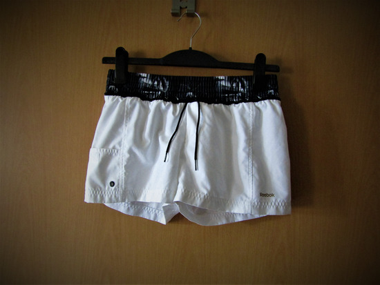 Reebok kratke hlače (za S )