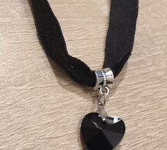 AKCIJA 1/ Choker-črni srček-nova
