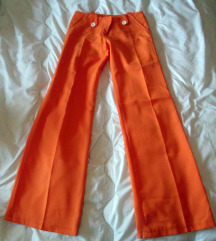 Oranžne hlače