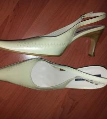 Bež čevlji