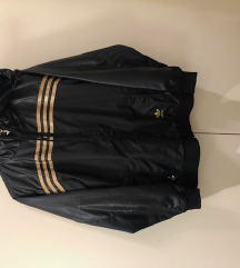 nenošena Adidas prehodna jakna