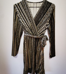 Črno bela oblekica s paskom zimska