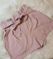 Elegantne svetlo roza kratke hlače