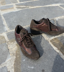 VIA DE FUGA št. 39 semiš čevlji z kamenčki