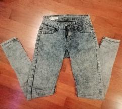 Jeans hlače 34
