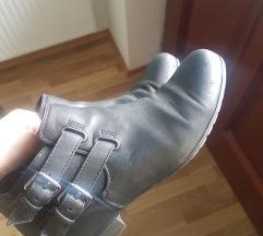 Črni čevlji, poštnina vključena!