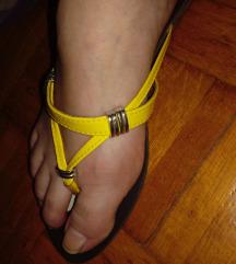 rumeni natikači japanke