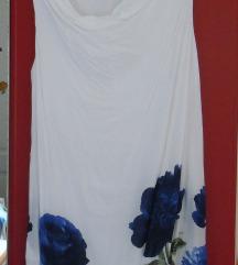 Bela obleka z rožami