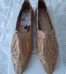 MANGO nizki svetlo rjavi čevlji z etiketo
