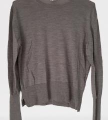 Tanjši siv  pulover (70% merino volna, 30% kašmir)