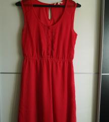 Rdeča poletna obleka