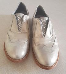 Žendki usnjeni čevlji srebrne barve