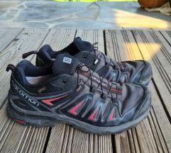 Pohodni čevlji z membrano