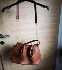 Nova rjava torbica
