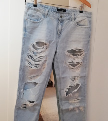 Raztrgane jeans hlače
