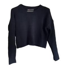 Črni krajši pulover