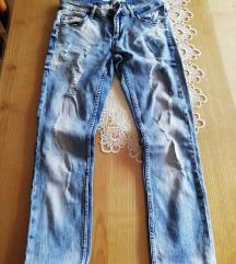 Jeans strgan.
