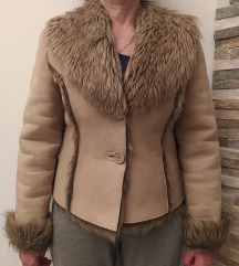 Rjava topla jakna