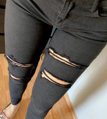 Črne strgane jeans hlače