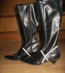 Novi škornji - špičaki vel.38