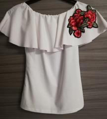Bela off-shoulder majčka z rožo 🌺