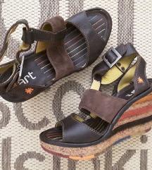 Art usnjeni sandali
