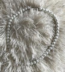 Verižica s perlami
