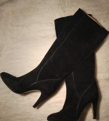 Črni semiš škornji s peto