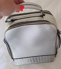 srebrn nahrbtnik