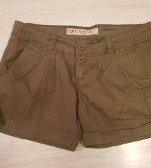 Olivne kratke hlače