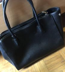 Črna torbica večja