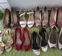 Različni sandali