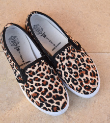 Leopardje slip on superge št. 35