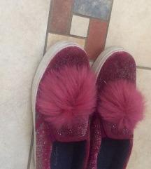 Čevlji s cofom