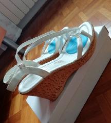 beli sandali 39