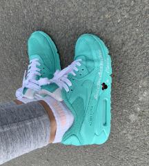 Minnies Nike