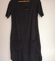 Nova črna oblekica do kolen