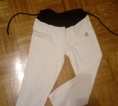 Športne kapri hlače s