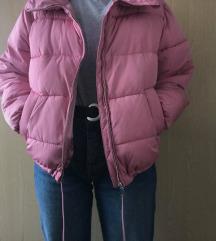 Podložena roza jakna Pull and Bear